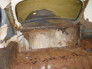 VW Beetle rear boot compartment rust